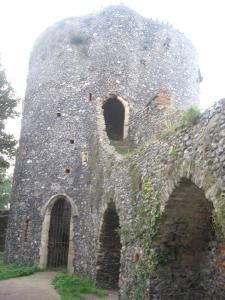 Norwich (black-tower)