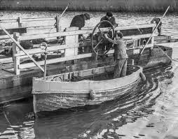 Reedham Ferry (By Hand)