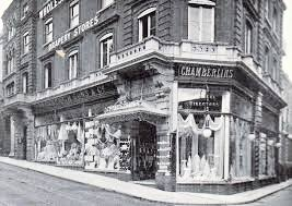 Chamberlins (Shop)4