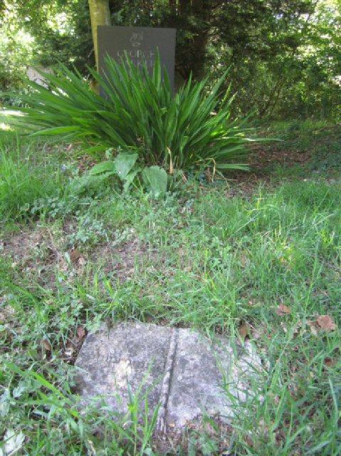 Geo Barker (Grave)2