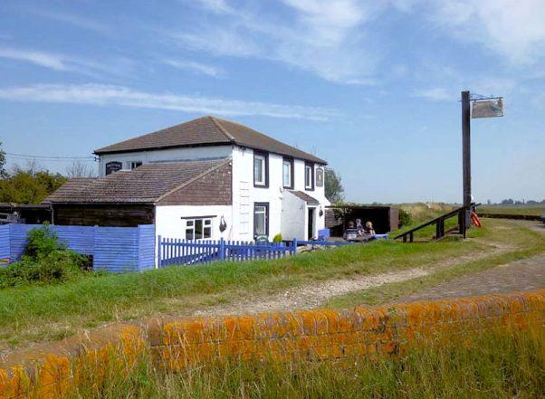Berney Arms Pub2
