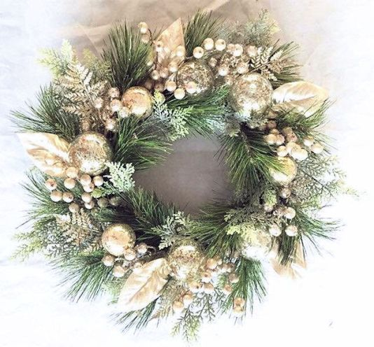 Champagne-Christmas-Wreath