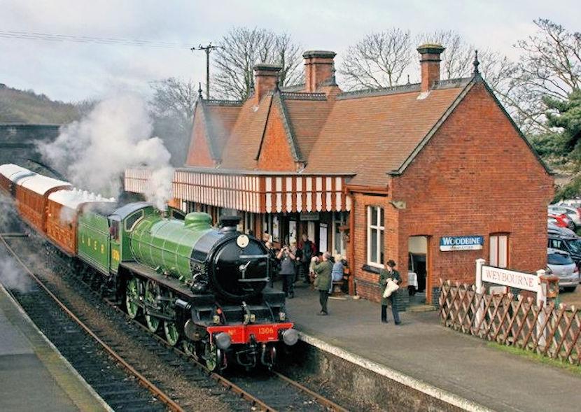 Weybourne Walk (Station)