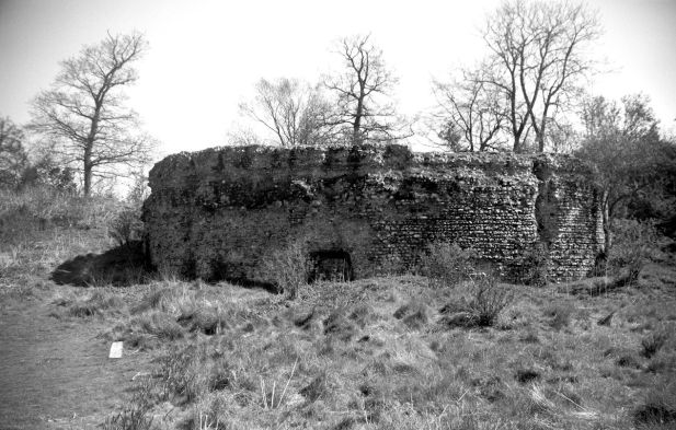 Ghostly Norfolk (New Buckenham Castle)1