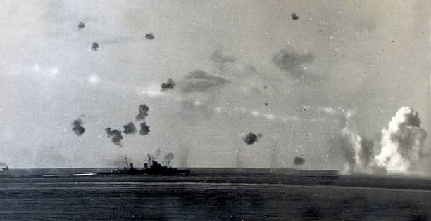 HMS Umpire (Convoy under attack)2