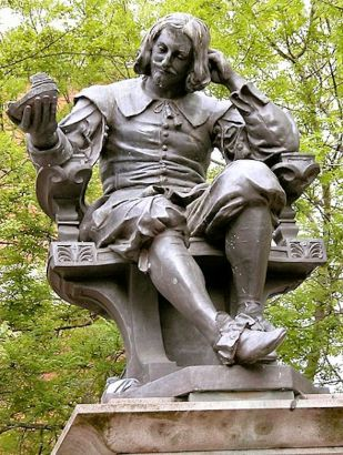 Lowestoft (Sir_Thomas_Browne's_Statute_Norwich)2