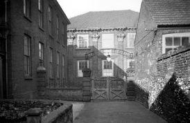 Old Meeting House, Colegate, Norwich. (c) George Plunkett 1933
