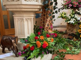 WroxhamChurch (Flowers)114
