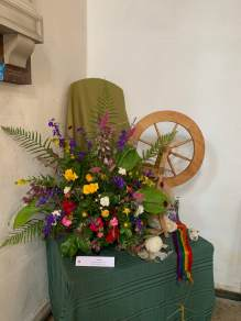 WroxhamChurch (Flowers)4