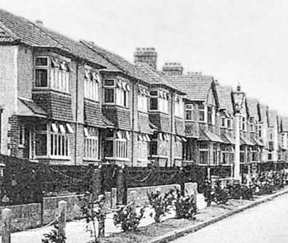 nORFOLK AT wAR (1930s-suburban-houses)