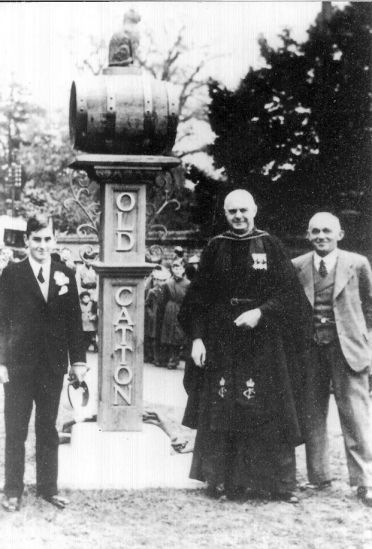 3. The unveiling of the Village Sign in 1937.