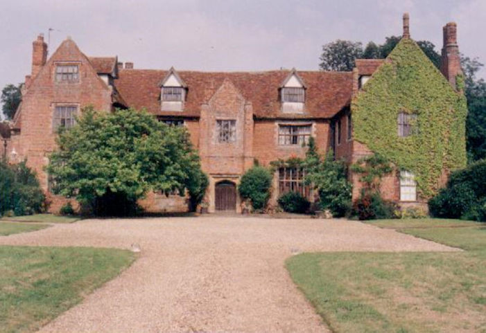 Breccles Hall: A GhostlyTale!