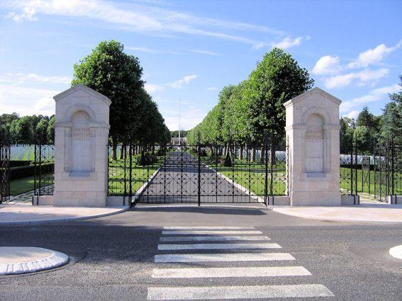 Sir-Eric-Teichman (cemetery)2