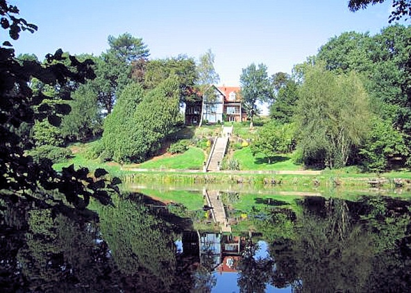 Brundall Gardens (Redcliffe House)2