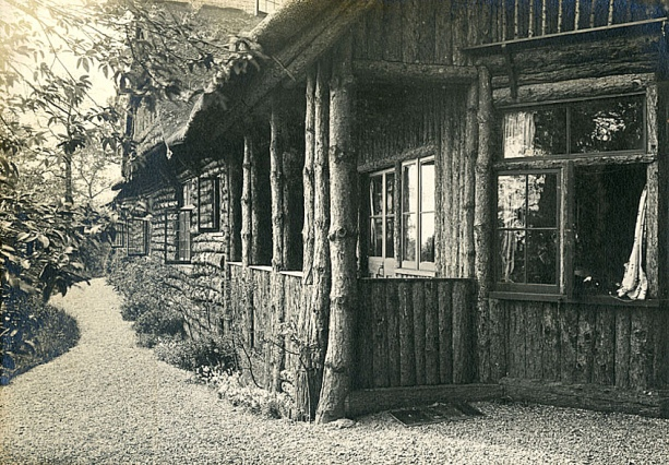 The Log House, Brundall Gardens c.1910