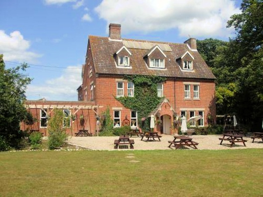 Fishley (Amber Lodge Hotel_Old Rectory)